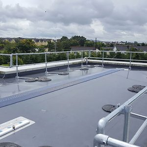 Collective roof guardrail system