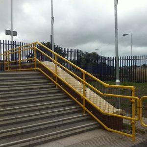 Kee Access disabled railings provide visual contast