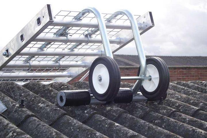Ridge hook for Board-Walk fragile roof walkway system