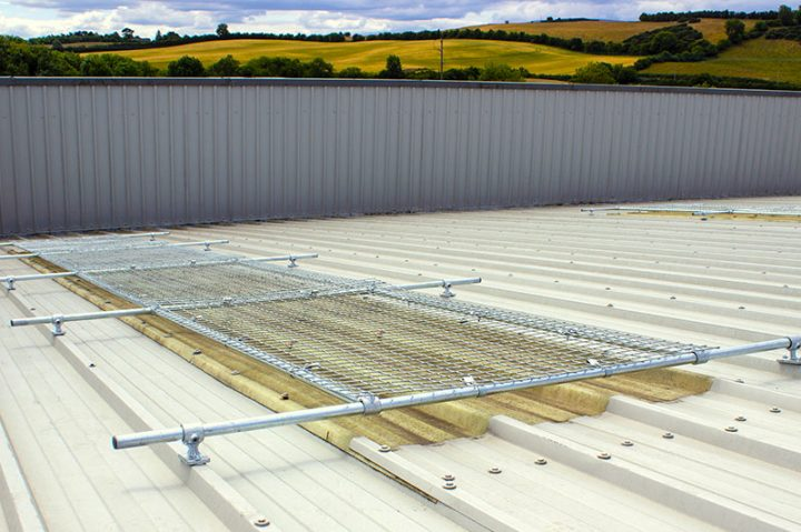 Robust Kee Cover for roof light and skylight protection